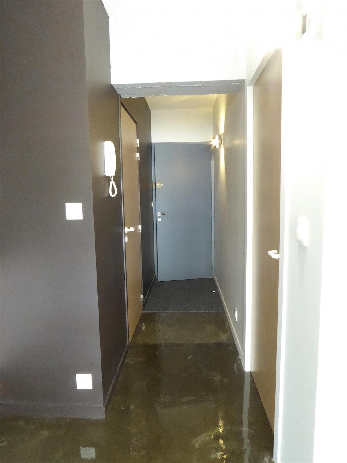 les bureaux 2011 : Entrée du penthouse