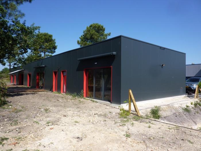Bâtiment de bureaux : P1130323