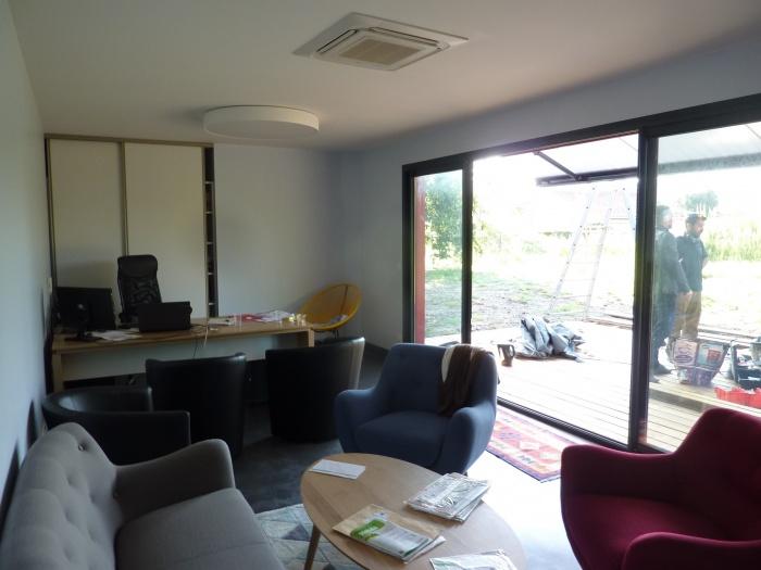 Bâtiment de bureaux : P1130718